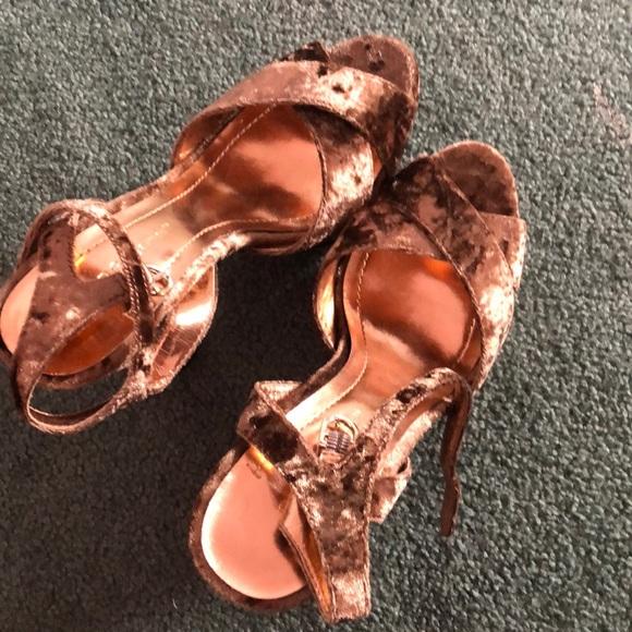 Bronze velvet heels!
